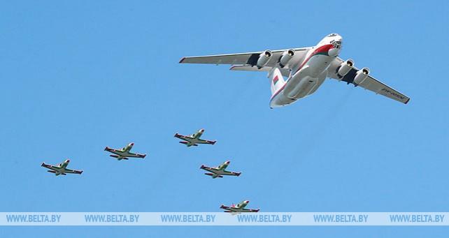 Почти 50 самолетов и вертолетов планируется задействовать на параде 3 июля