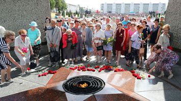 В Витебске почтили память советских воинов, освободивших город от немецко-фашистских захватчиков
