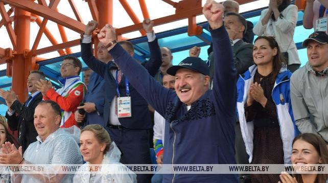 Лукашенко посетил соревнования по гребле II Европейских игр