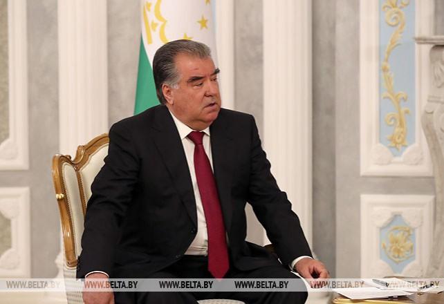 Лукашенко провел переговоры с Рахмоном в узком формате