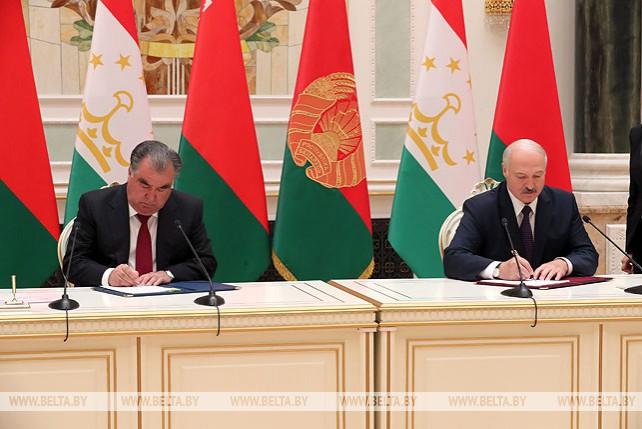 Лукашенко и Рахмон подписали договор о стратегическом партнерстве