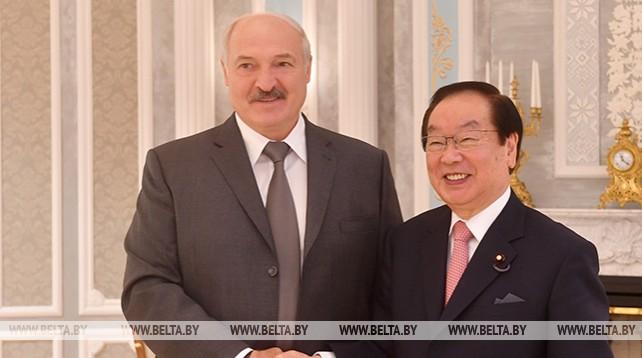 Лукашенко встретился с министром по вопросам восстановления Японии