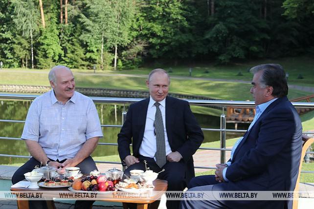 Рахмон присоединился к встрече Лукашенко и Путина