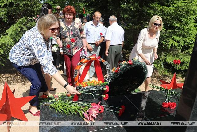 Памятная стела открылась после реконструкции в Чашникском районе