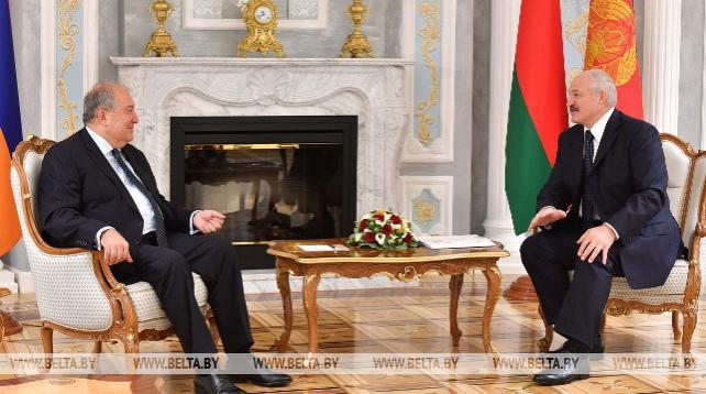 Лукашенко встретился с Президентом Армении Арменом Саркисяном
