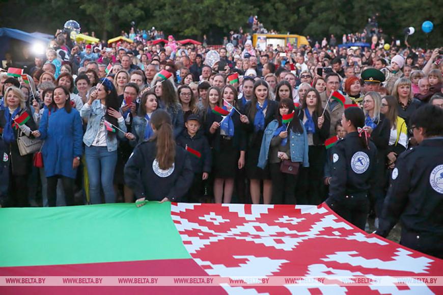 """Республиканская акция """"Споем гимн вместе!"""" прошла в Гродно"""