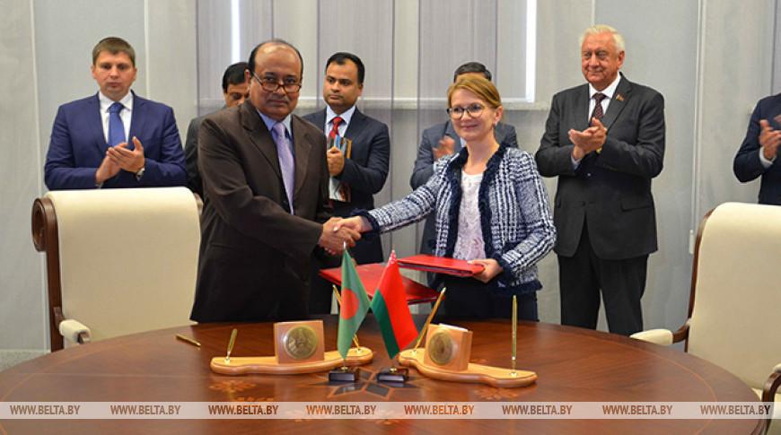 Беларусь поставит в Бангладеш 450 тыс. т калийных удобрений