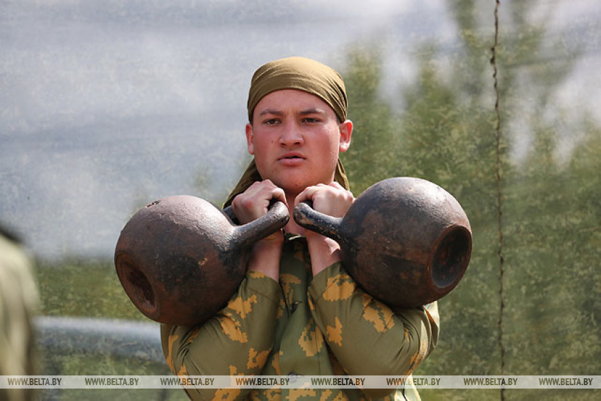 Спортивно-патриотический лагерь работает на базе 5-й отдельной бригады спецназа