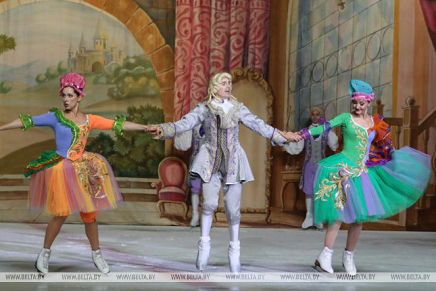 """Балет на льду Санкт-Петербурга показал """"Золушку"""" на фестивале в Витебске"""