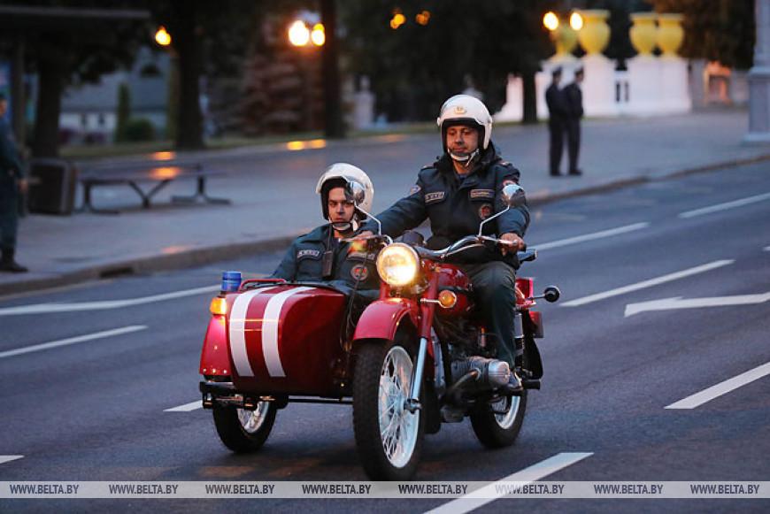 В Минске прошла репетиция парада ко Дню пожарной службы