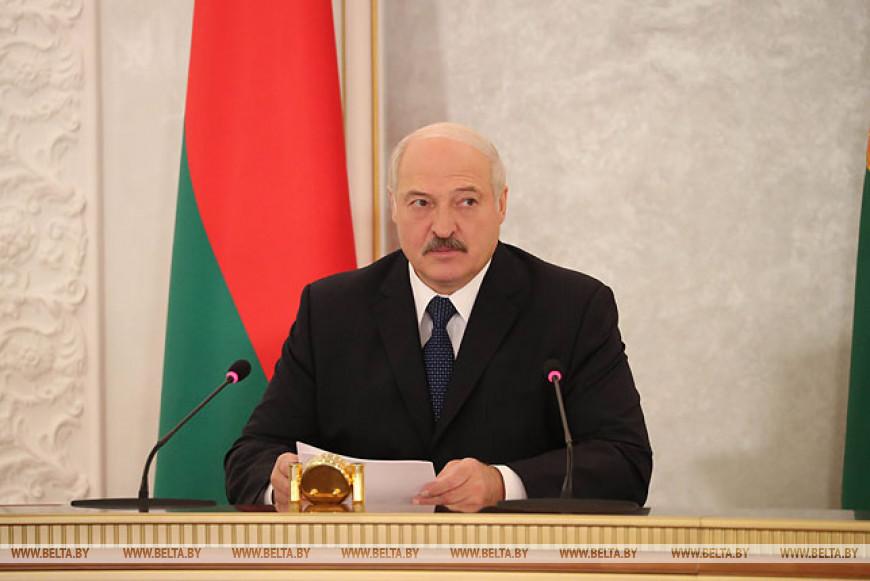 Лукашенко провел селектор по уборочной кампании