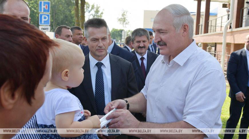 Лукашенко пообщался с жителями Ветки
