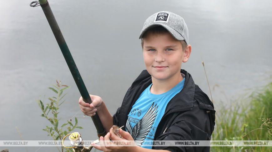Межрегиональные соревнования по рыбной ловле прошли в Буда-Кошелевском районе