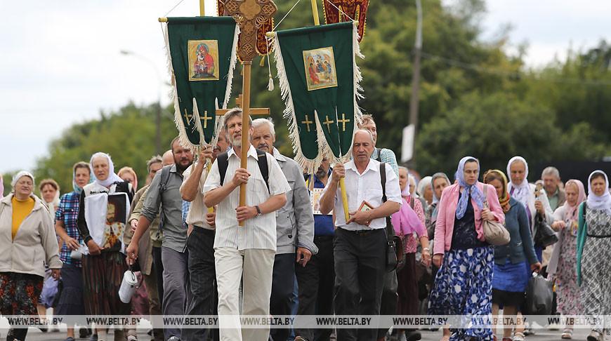 Всебелорусский крестный ход из Бреста в Полоцк начался с территории Свято-Афанасьевского монастыря