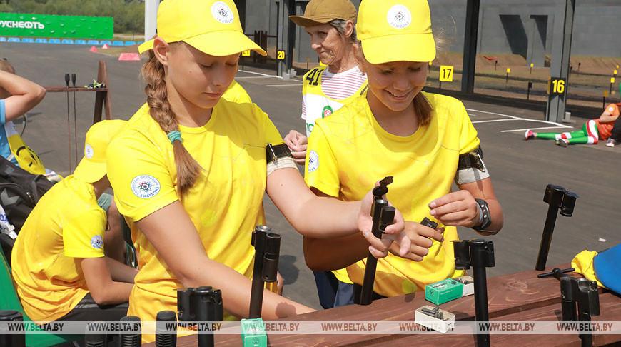 Юниоры из всех регионов Беларуси приехали в Гомель на этап Кубка Беларуси по биатлону