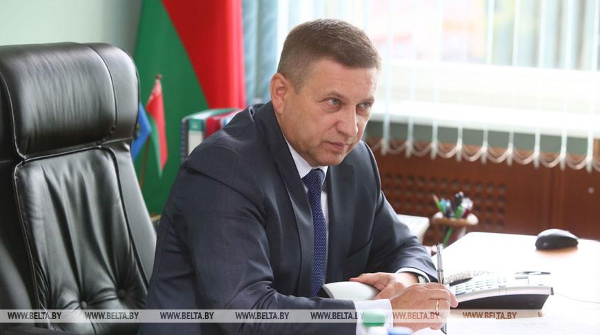 Помощник Президента - инспектор по Гродненской области Иван Лавринович провел прямую линию и прием граждан в Зельве