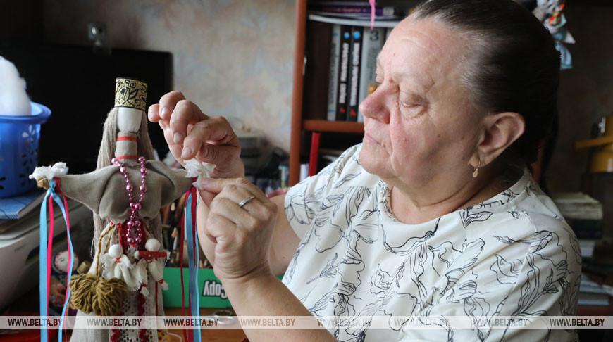 Более тысячи кукол создала жительница Фаринова Зинаида Летина
