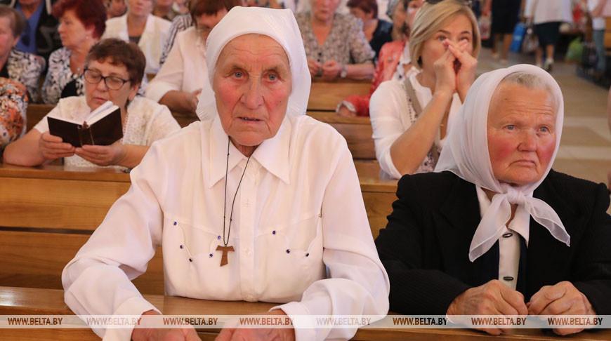 Более 3 тыс. паломников собрались на католические торжества в Браславе