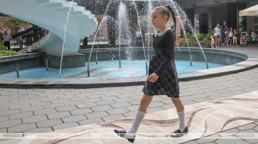 """""""Калiнка"""" устроила в Минске показ одежды для школьников"""