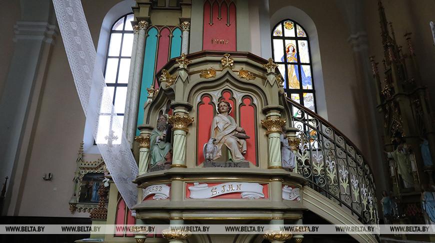 Костел Вознесения Девы Марии в Миорах
