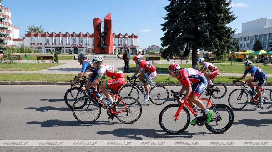 Соревнования по велосипедному спорту на шоссе проходят в Кировском районе