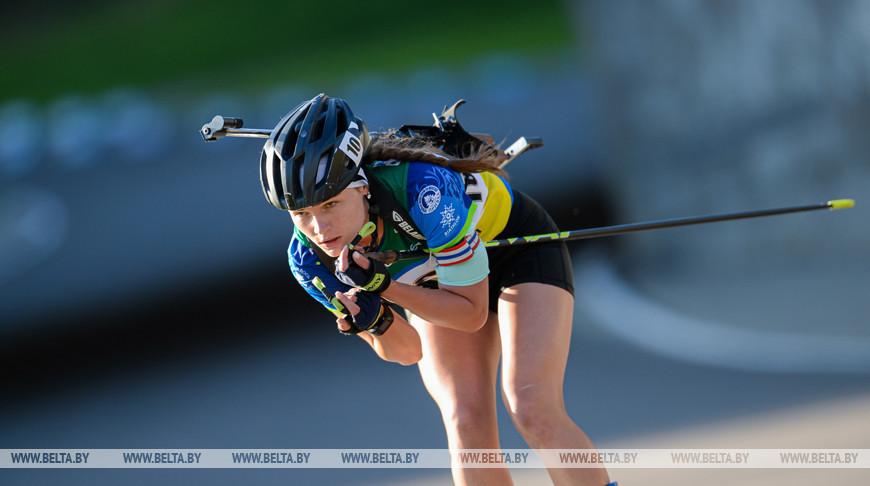 Глазырина и Харватова разделили золото в спринте на чемпионате мира по летнему биатлону