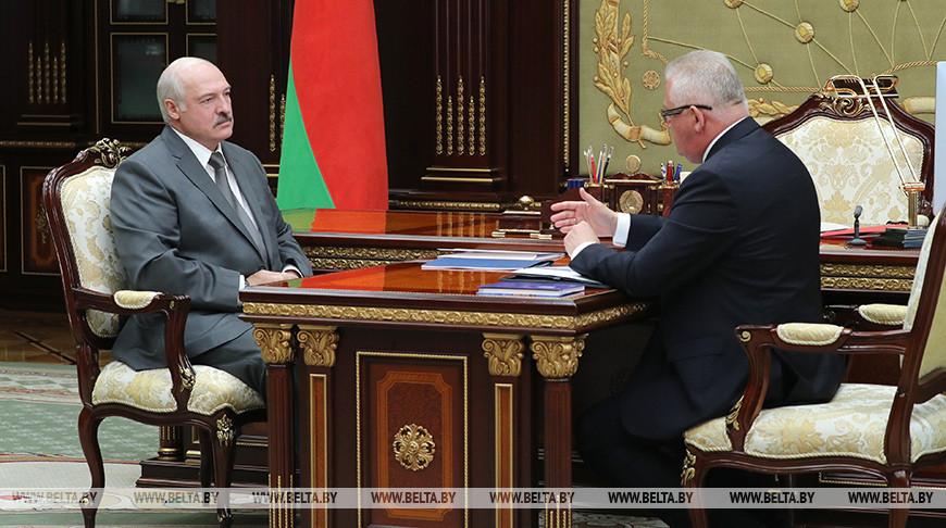 Лукашенко принял с докладом министра образования