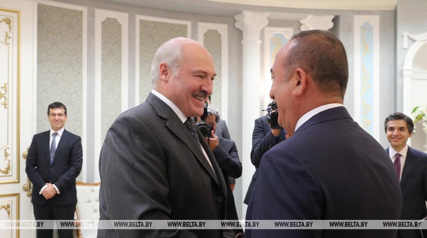 Лукашенко встретился с министром иностранных дел Турции