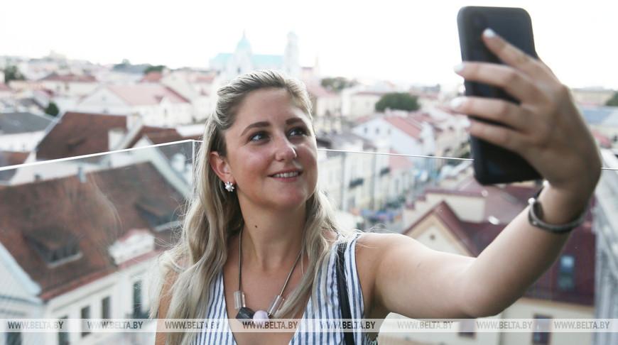 Патрисия Кросби из Канады стала 80-тысячным безвизовым туристом в Гродно в 2019 году