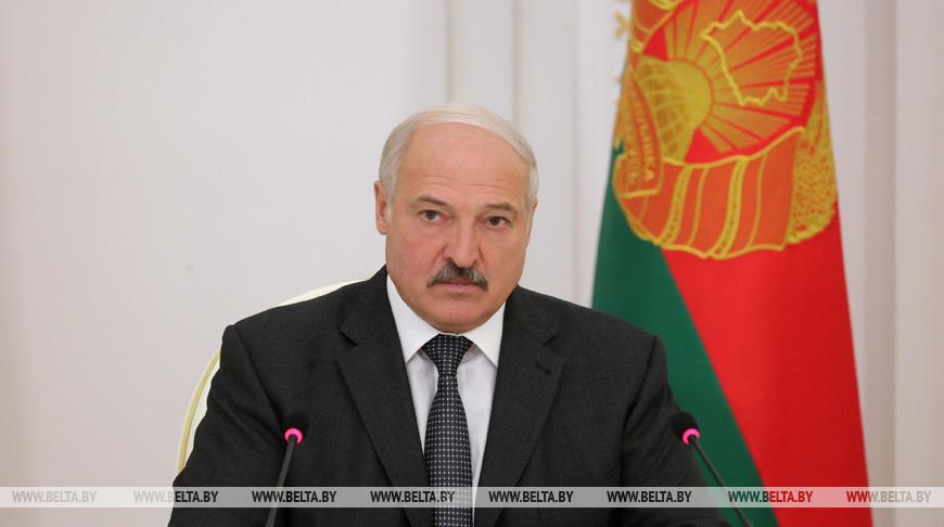 Лукашенко собрал совещание с членами правительства