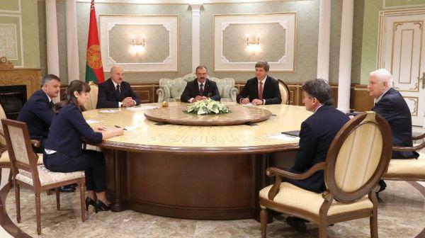 Лукашенко: для Беларуси большая честь принимать легкоатлетический матч Европа - США