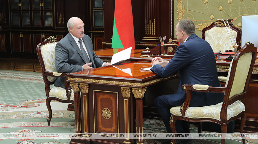 Лукашенко принял с докладом председателя Минского облисполкома