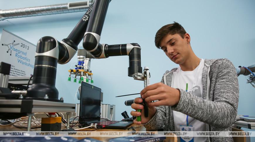 Лабораторию промышленной робототехники открыли в Брестском техническом университете
