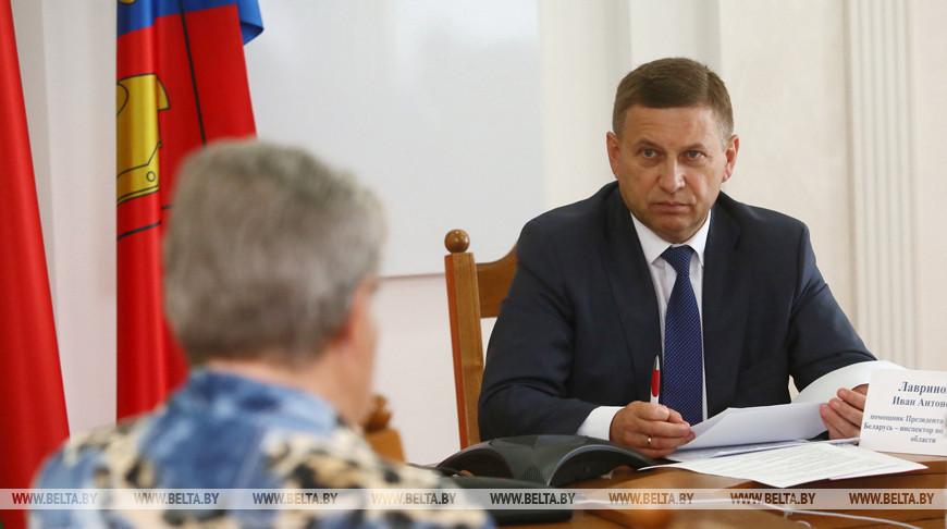 Лавринович провел прямую линию и прием граждан в Ошмянах