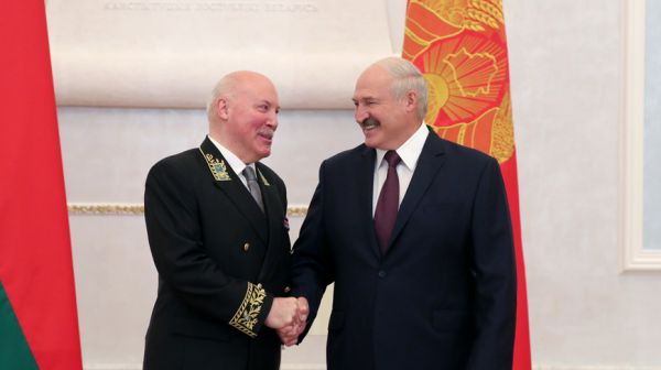 Лукашенко принял верительные грамоты послов 12 стран и представителя ЕС