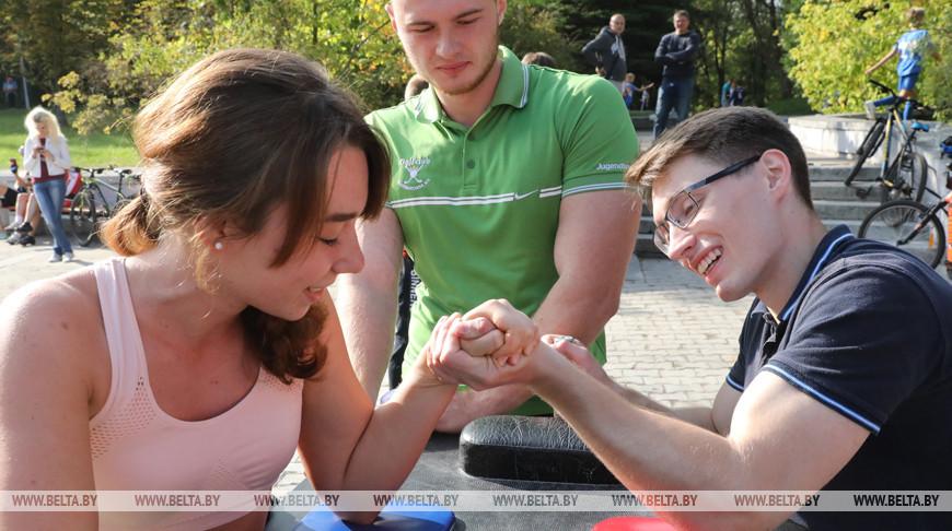"""Выставка-ярмарка """"Витебщина - за здоровый образ жизни"""" открылась в областном центре"""