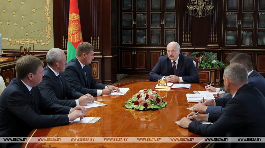Лукашенко согласовал назначение новых руководителей в пяти районах