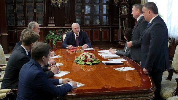 Лукашенко о кадровых перестановках: должно приходить новое поколение