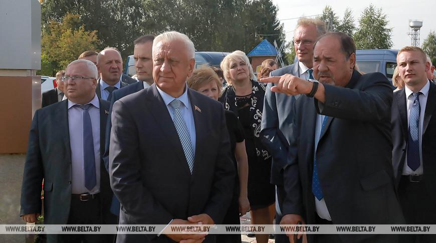 Мясникович посетил с рабочей поездкой Белыничский район