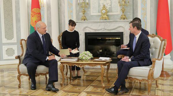 Лукашенко встретился с заместителем государственного секретаря США по политическим вопросам Дэвидом Хэйлом