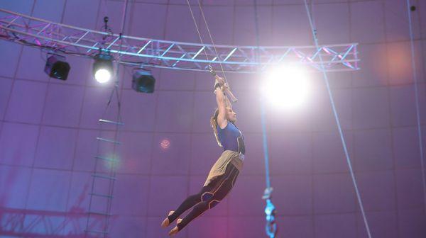 Полет на трапеции и уникальный силовой трюк покажут белорусы на цирковом фестивале
