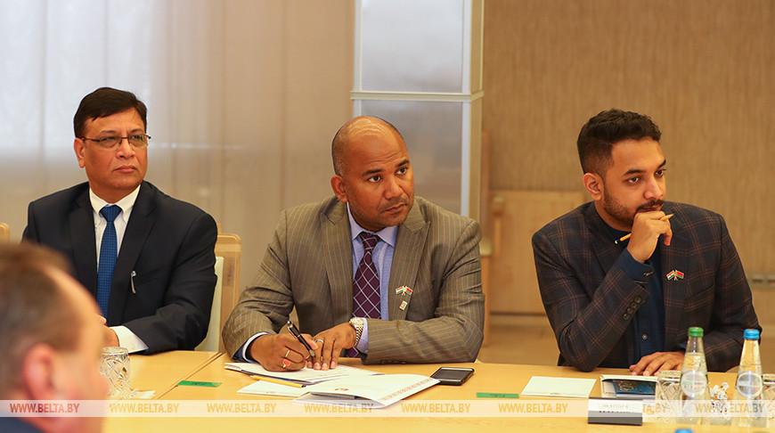 Мясникович встретился с представителями индийских деловых кругов