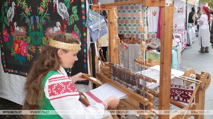 Белорусско-украинская ярмарка проходит в Житомире