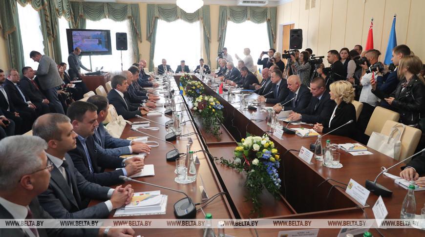 Официальная встреча глав регионов Украины и Беларуси с главой Житомирской областной государственной администрации