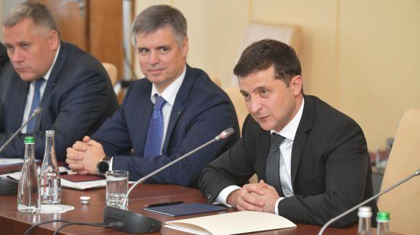 Лукашенко провел переговоры в расширенном составе с Зеленским