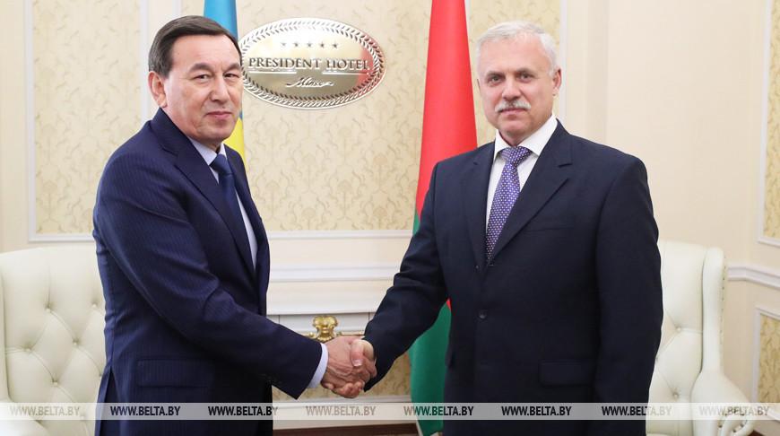 Станислав Зась и Калмуханбет Касымов обменялись мнениями по актуальным проблемам международной безопасности