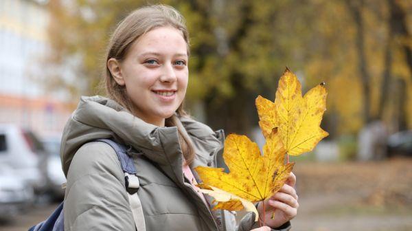 Александра Арасланова стала лауреатом премии имени Лазаря Хидекеля