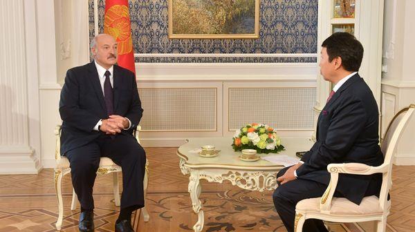 Лукашенко в преддверии официального визита дал интервью крупнейшему информагентству Казахстана