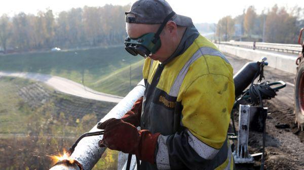 Ремонт моста через Припять идет в Мозырском районе