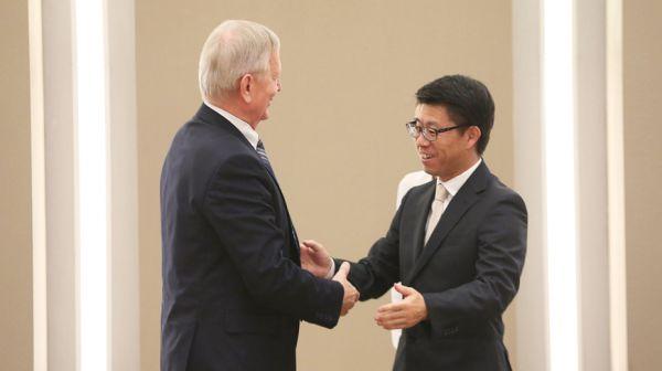 Рахманов встретился с руководителями японских компаний